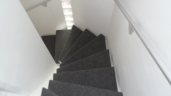 Treppe mit Nadelvlies